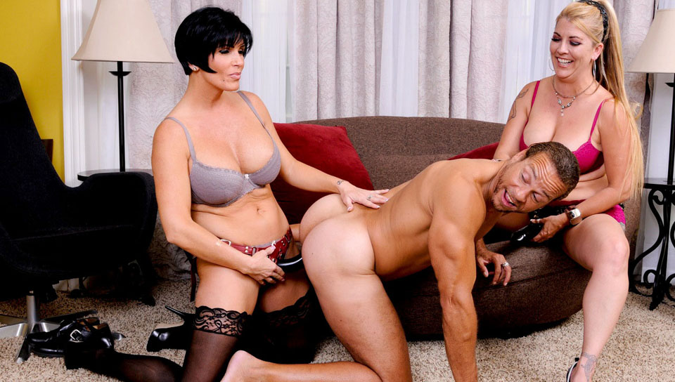 Canadian cougar shanda fay gets a load on her feet amp ass 1