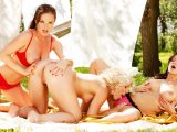 Silvia,Stacy And Sweet Cat All Girl Threesome