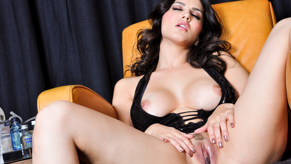 Watch Liquor (Sunny Leone) XXX Porn Tube Videos Gifs And Free HD Sex Movies Photos Online